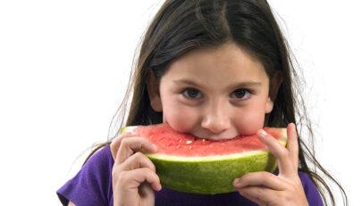 comida criança melancia
