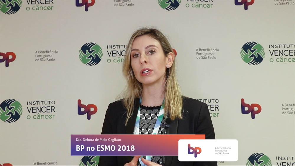 Thumbnail com a dra. Debora Gagliato comentando estudos apresentados na ESMO 2018 sobre câncer de mama.