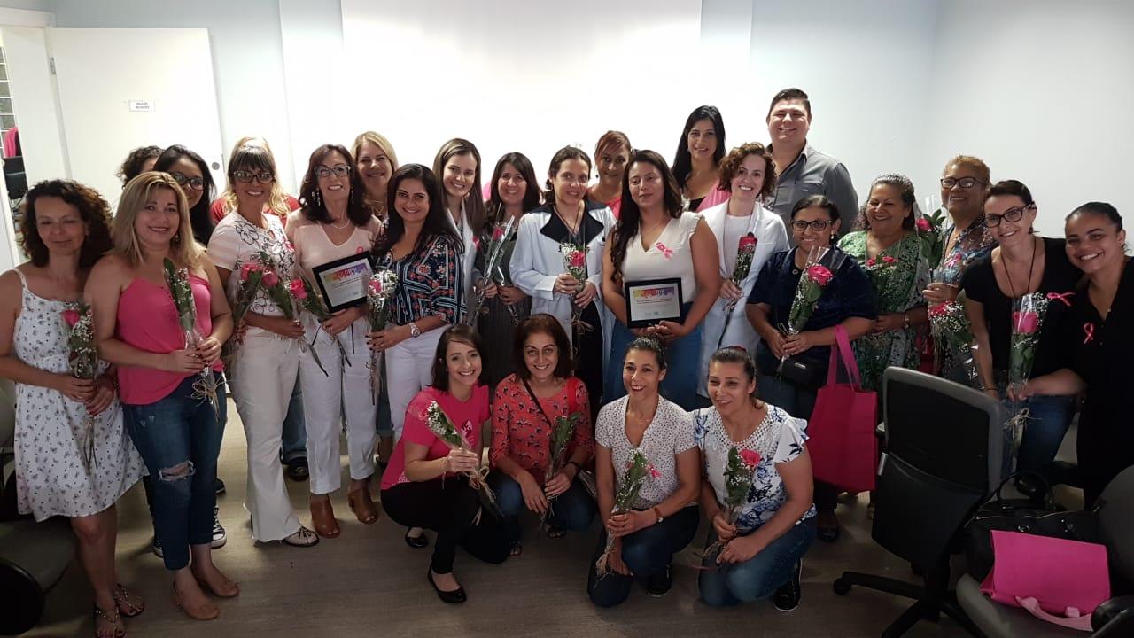 Equipe e pacientes do Projeto Colorir na realização do evento 2018.