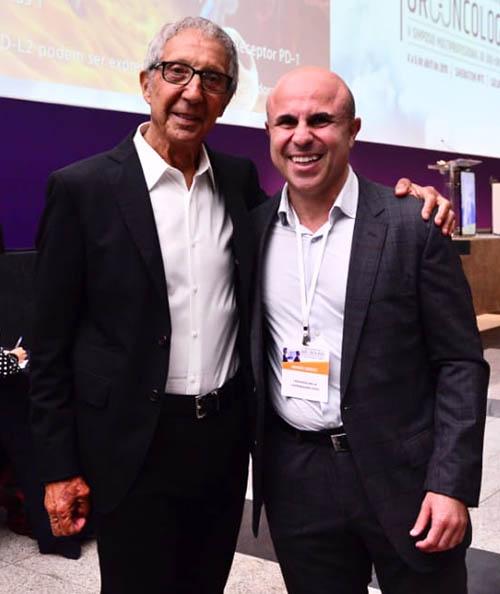 Empresário Abílio Diniz e oncologista Fernando Maluf lado a lado no X Congresso de Uro-Onco