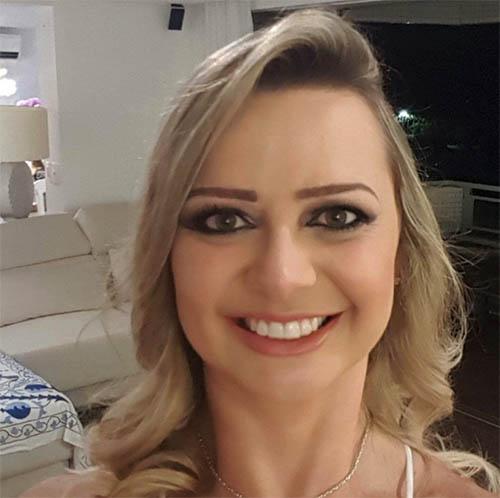 Paula Mara de Assis Palma.